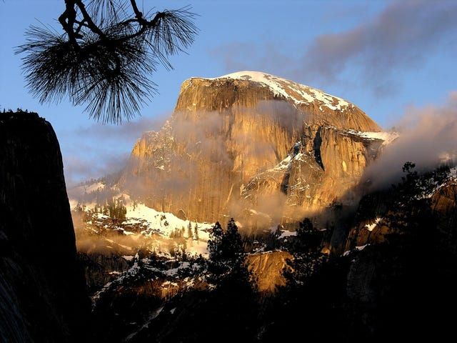 Yosemite hiker slips, falls to his death on Half Dome cables