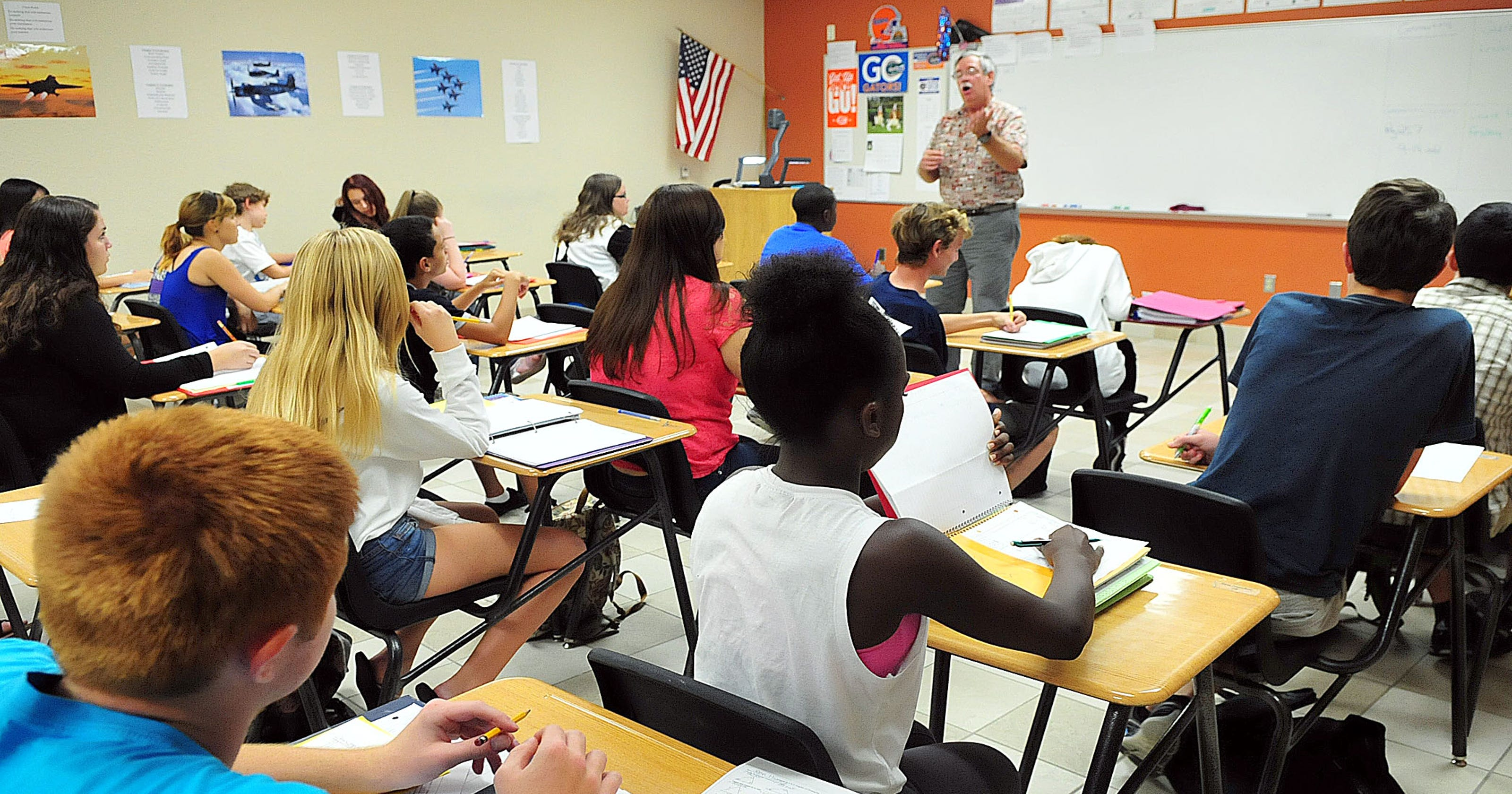 Fla  school breaks class-size law on purpose