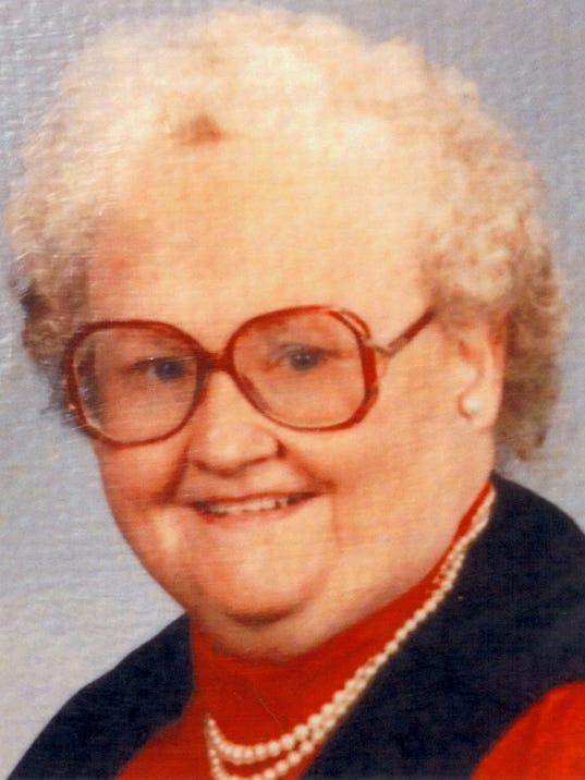Eileen Ryan.jpg