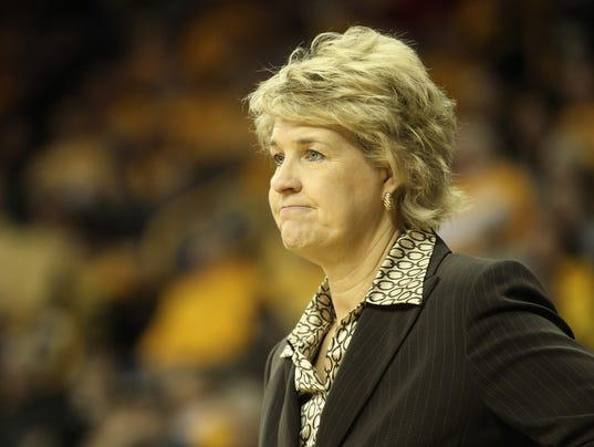 635559105047527495-IOW-0106-Iowa-WBB-vs-Penn-State-01