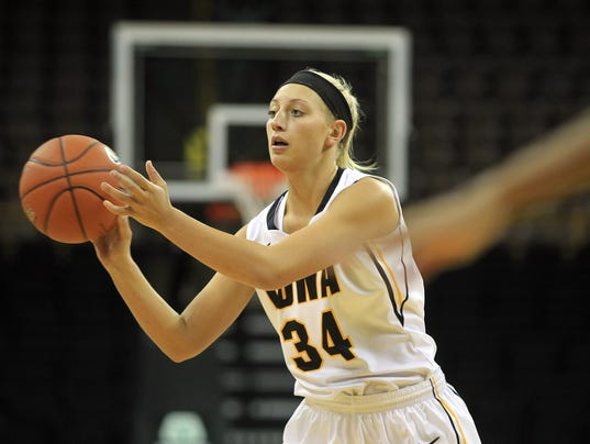 635986771593980024-IOW-1115-Iowa-wbb-vs-USC-Upstate-09.jpg