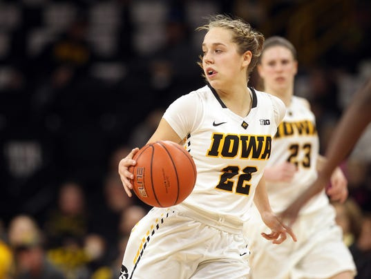 636216703133948438-IOW-0202-Iowa-wbb-vs-Rutgers-08.jpg