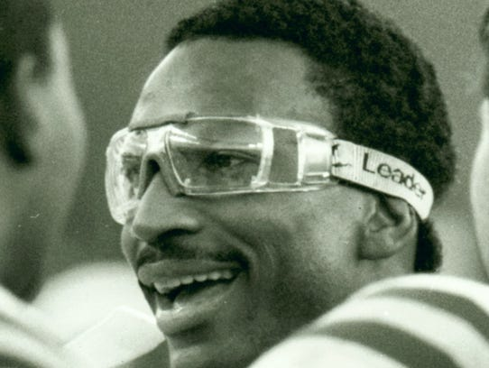 Indianapolis Colts RB Eric Dickerson from an Oct. 30,