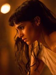 Sofia Boutella, pre-mummification in 'The Mummy.'