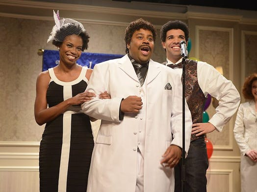 Sasheer Zamata (left), makes her 'Saturday Night Live' debut with Kenan Thompson and Drake.