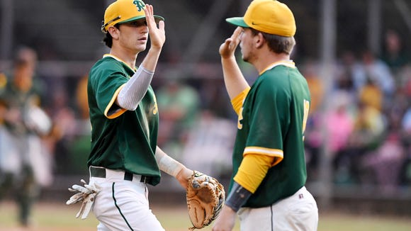 Follow updates from Game 3 of the 3A Western regional championship series between Reynolds and Crest.