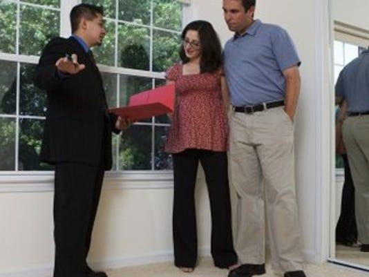 People inspecting home.jpg