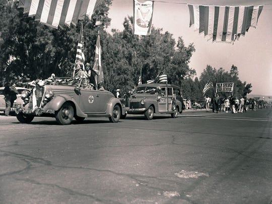 1942 Desert Circus parade.