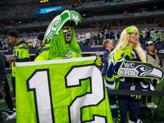 fans NFL: NFC Wild Card-Seattle Seahawks at Dallas Cowboys