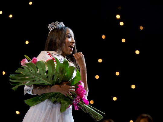 Miss Heart of Michigan, Unjanee Wells, is crowned Miss Michigan Teen USA during the Miss Michigan USA pageant Saturday, September 26, 2015 at McMorran Auditorium in downtown Port Huron.