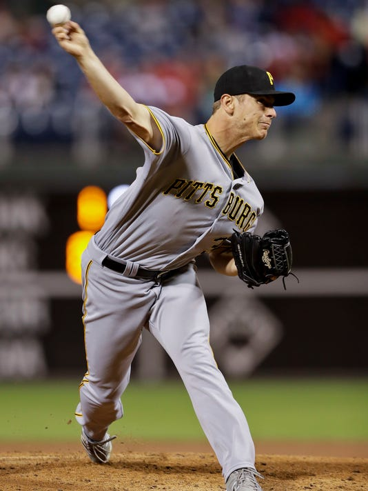 Pittsburgh Pirates' Chad Kuhl pitches during the third inning of a baseball game against the Philadelphia Phillies, Thursday, Sept. 15, 2016, in Philadelphia. (AP Photo/Matt Slocum)
