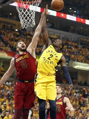 Indiana Pacers guard Darren Collison (2) lays the ball