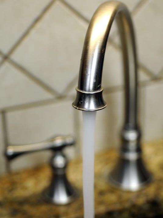 635937267955176872-faucet.jpg