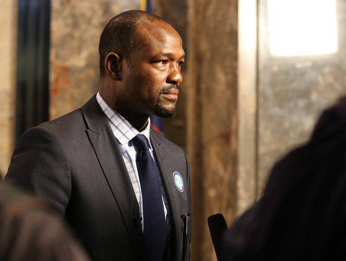 MLB Network analyst Harold Reynolds is shown during a lighting ceremony at the Empire State Building in honor of Jackie Robinson Day, Tuesday, April 15, 2014, in New York City. (AP Photo/Nat Castaneda)