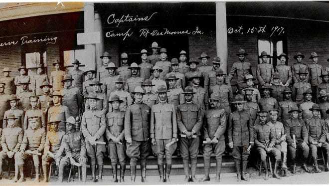 Officer graduation with World War I commissions, Fort Des Moines, ​1917
