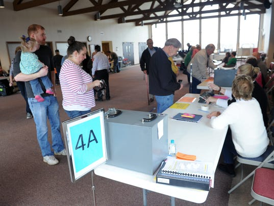635936549072398092-04-cos-0316-Coshocton-elections.JPG