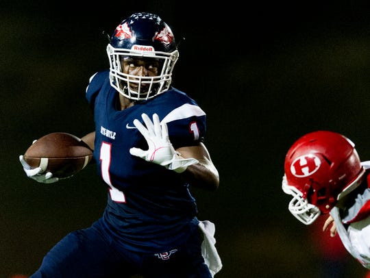 South-Doyle's Ton'quez Ball (1) carries the ball during a game between South-Doyle and Halls at South-Doyle in Knoxville, Tennessee, on Friday, October 6, 2017.