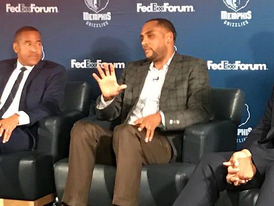 Former NBA star Steve Smith (right) and ESPN announcer