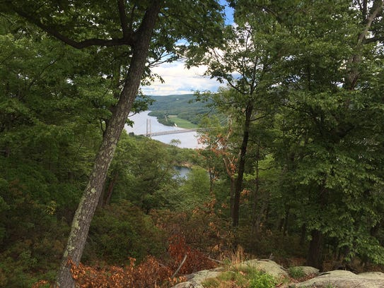A view of the Appalchian Trail near Bear Mountain with