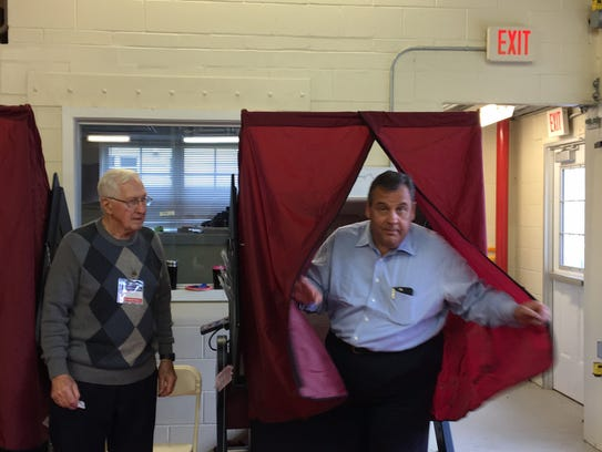 Gov. Chris Christie votes at Brookside Engine Co. in