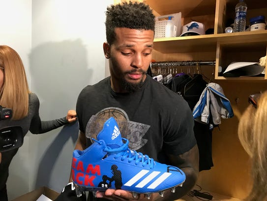 Lions running back Ameer Abdullah shows off the specialized