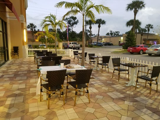 The outdoor patio at P3 Cajun Seafood Boil in Stuart.
