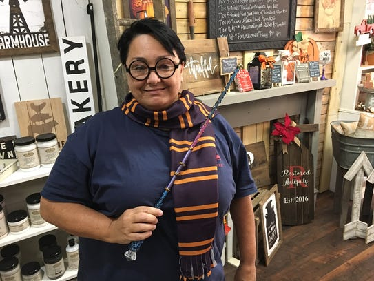 Make a magic wand with Angela Porto at Pitman's Potter
