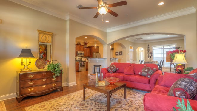 Ole South homes in Western Wood and Deer Valley Downs offer open floor plans and hardwood floors.