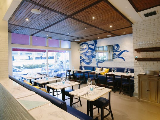 Izzy 39 s fish oyster officially coming to fort myers for Izzys fish and oyster