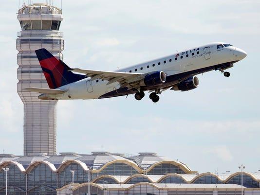 AP AIRLINES DELAYS F FILE USA VA