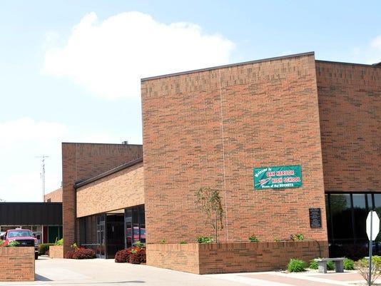 Oak_Harbor_high_school_stock_1