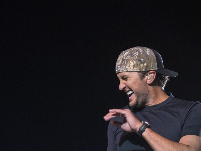 Luke Bryan performs at Country Thunder on Sunday, April