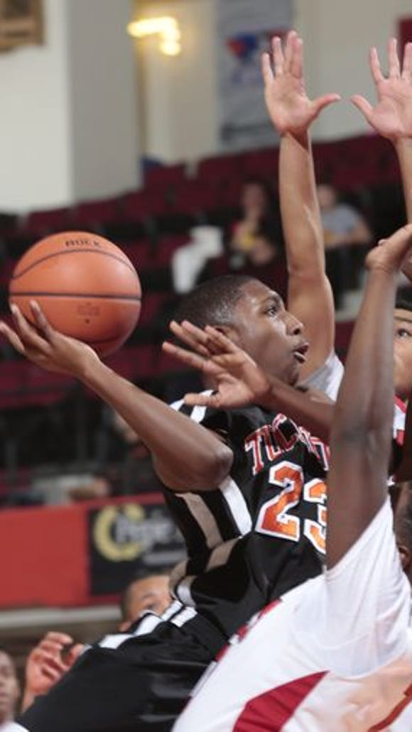 Tuckahoe's Jamon Murray drives to the basket against