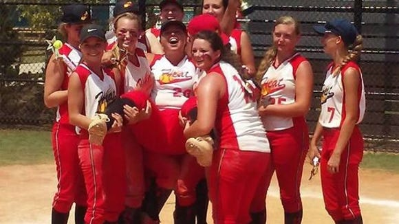 The Carolina Heat softball team won this past weekend's