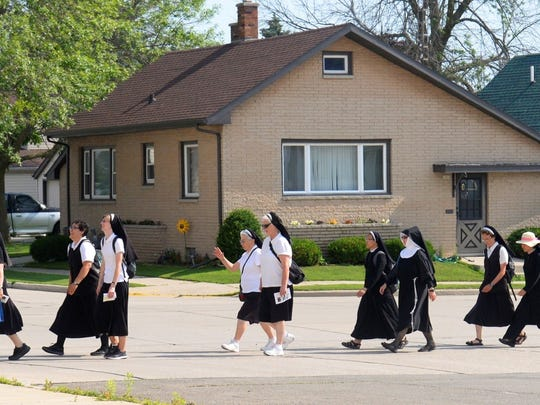 Franciscan Sisters of Christian Charity pilgrims on the way to historic heritage sites July 5.