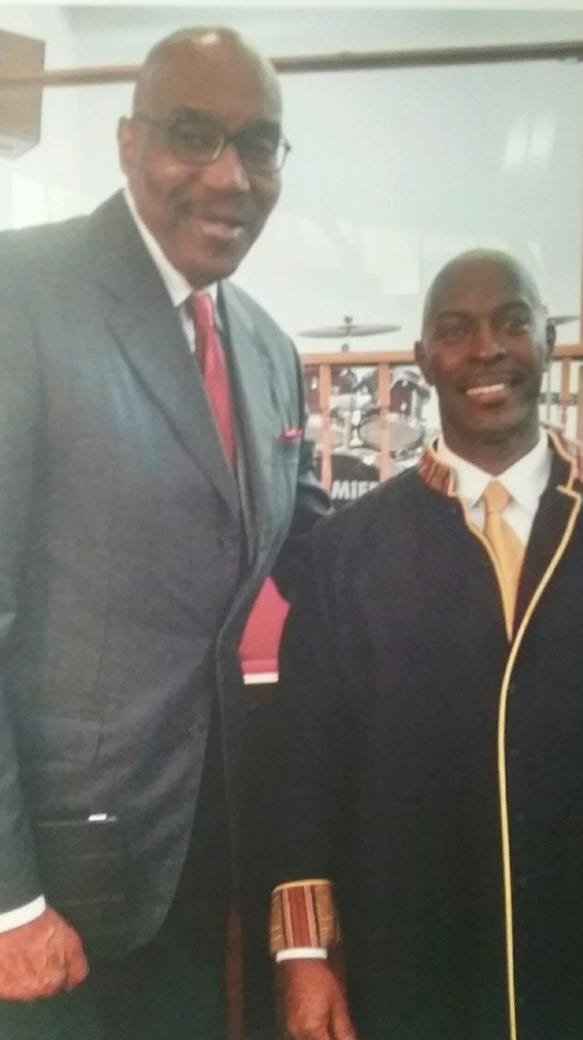 NBA Hall of Fame center Nate Thurmond, left, and the