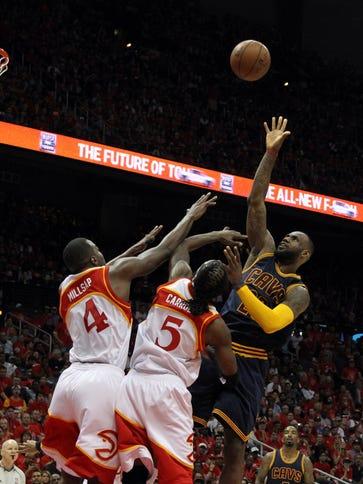 Cleveland Cavaliers forward LeBron James (23) shoots