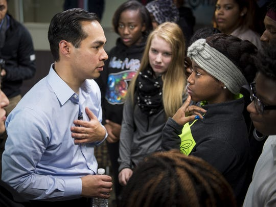 Former San Antonio Mayor Julian Castro, who served as secretary of Housing and Urban Development in the Obama administration, is considering running for president in 2020.