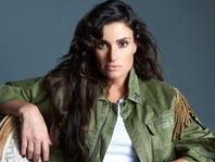 Idina Menzel Tickets + Meet & Greet