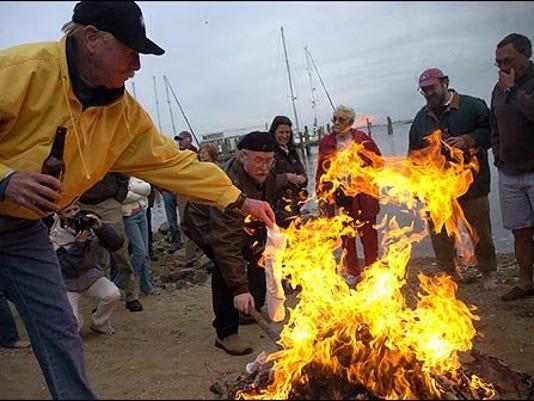 636293210391636588-Burning-of-the-socks-1.jpg