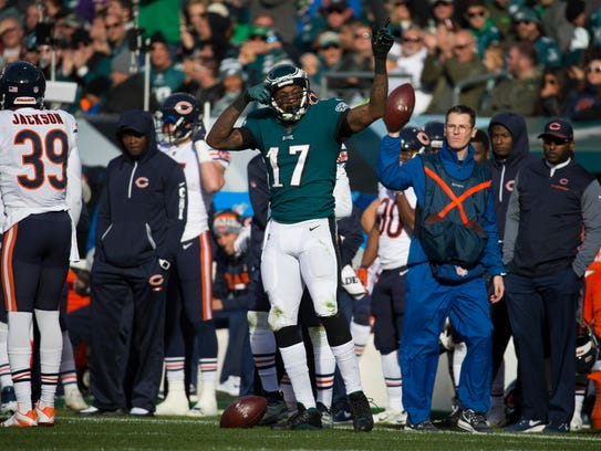 Eagles' Alshon Jeffrey celebrates after gaining a first
