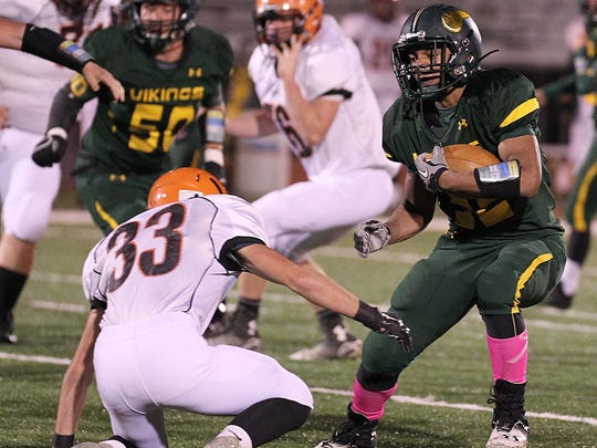 Parkview running back Anthony Riley looks to avoid