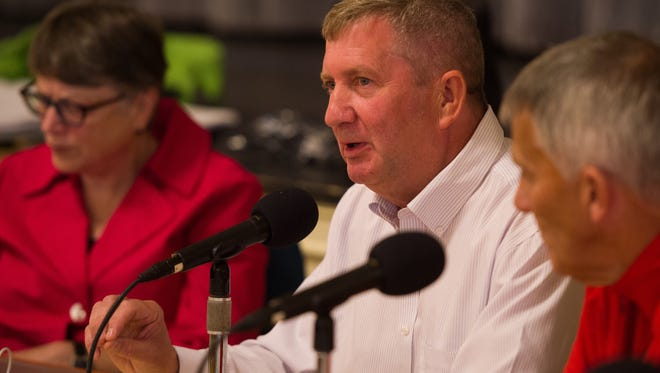 Burlington Ward 4 City Councilor Kurt Wright speaks about his resolution to strengthen enforcement of quality of life civil violations including public urination, intoxication and more, during a City Council meeting Monday, Aug. 28, 2017.