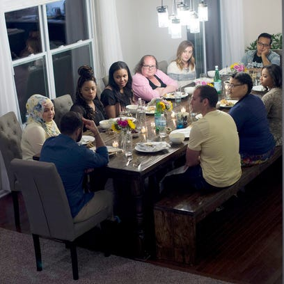 Amid Muslim anxiety, woman welcomes strangers to dinner