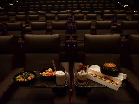 Review amc dine in shops at riverside 9 in hackensack New jersey dine in theatre