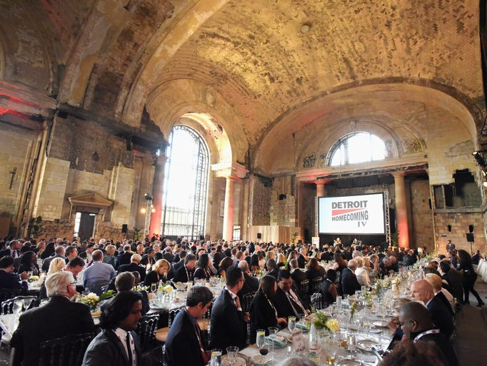 Detroit Homecoming Ceremony guests dine at long tables