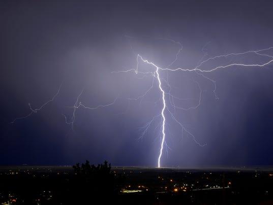 636358962724344000-lightning.jpg