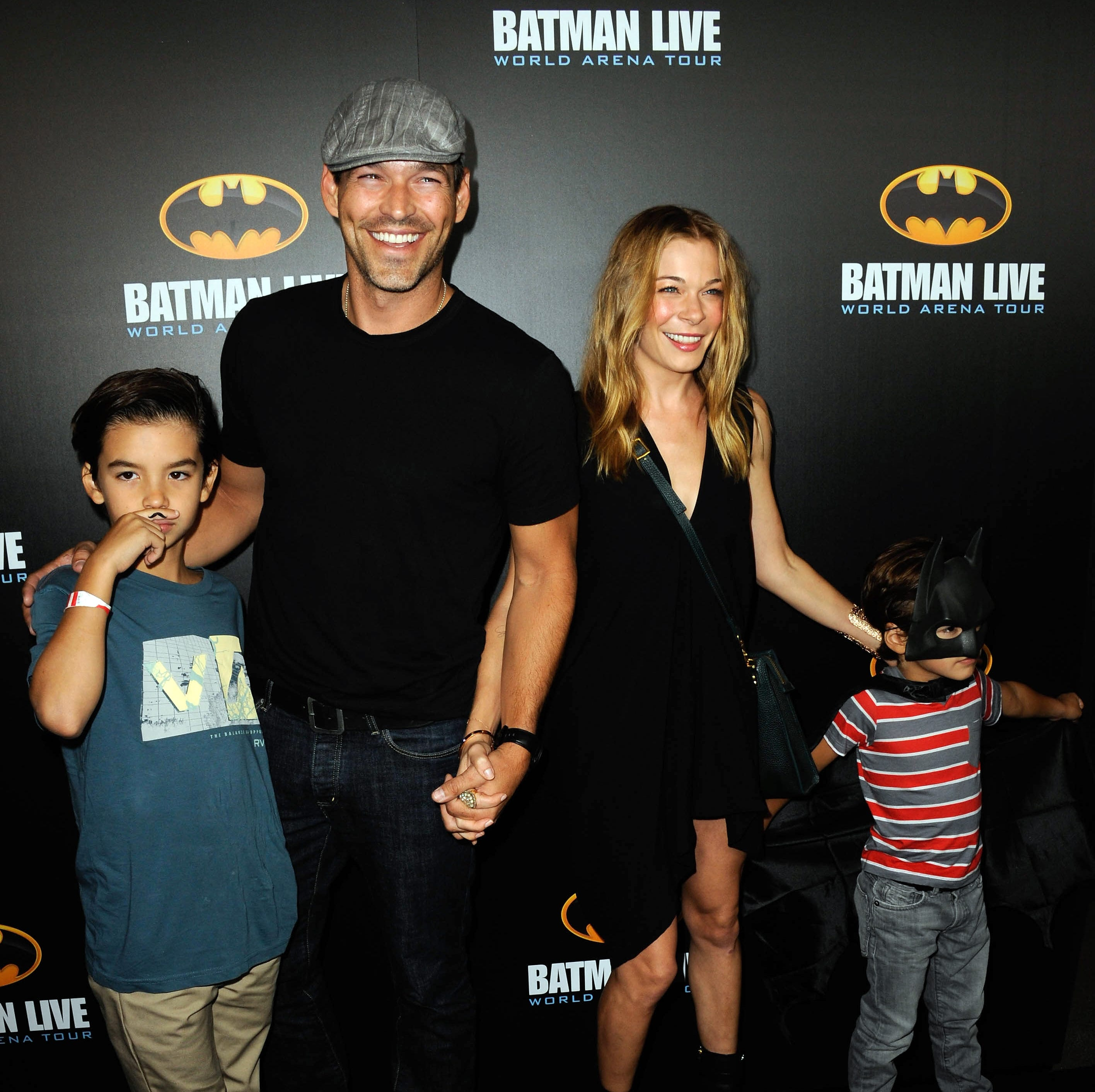 Eddie Cibrian and LeAnn Rimes (with sons Mason and Jake Cibrian) are starring in a new reality series for VH1.