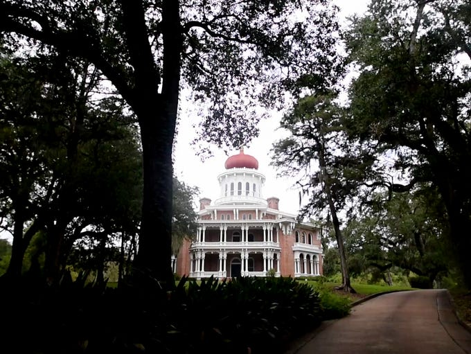 Longwood is a historic antebellum octagonal mansion