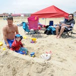 Rehoboth Beach canopy ban to get first big test